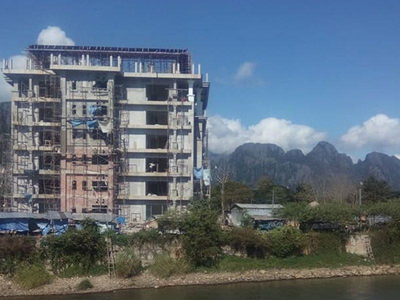 Vang-Vieng-Blocked-View