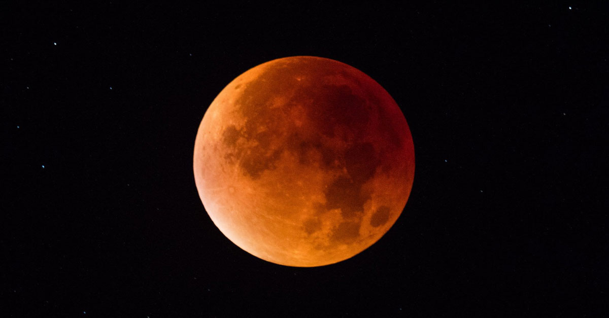 lunar eclipse blood moon Laos