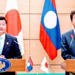 PM Thongloun (left) & PM Abe