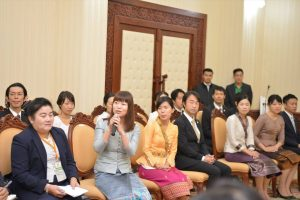 PM Thongloun meets Japan Overseas Cooperation Volunteers (JOCV) via JICA