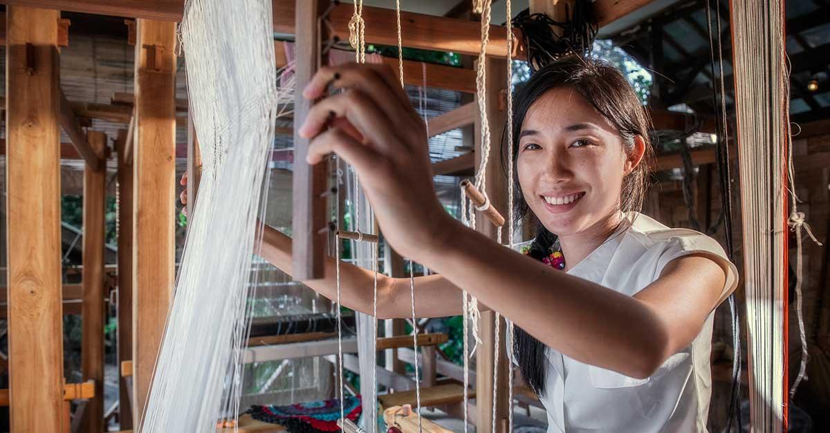 Weaving at Ock Pop Tok